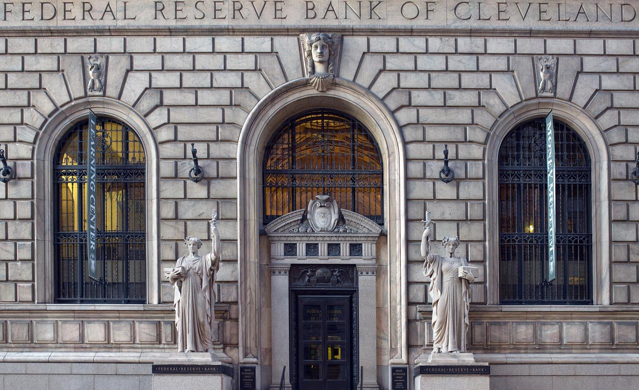 bank-820160_1280.jpg