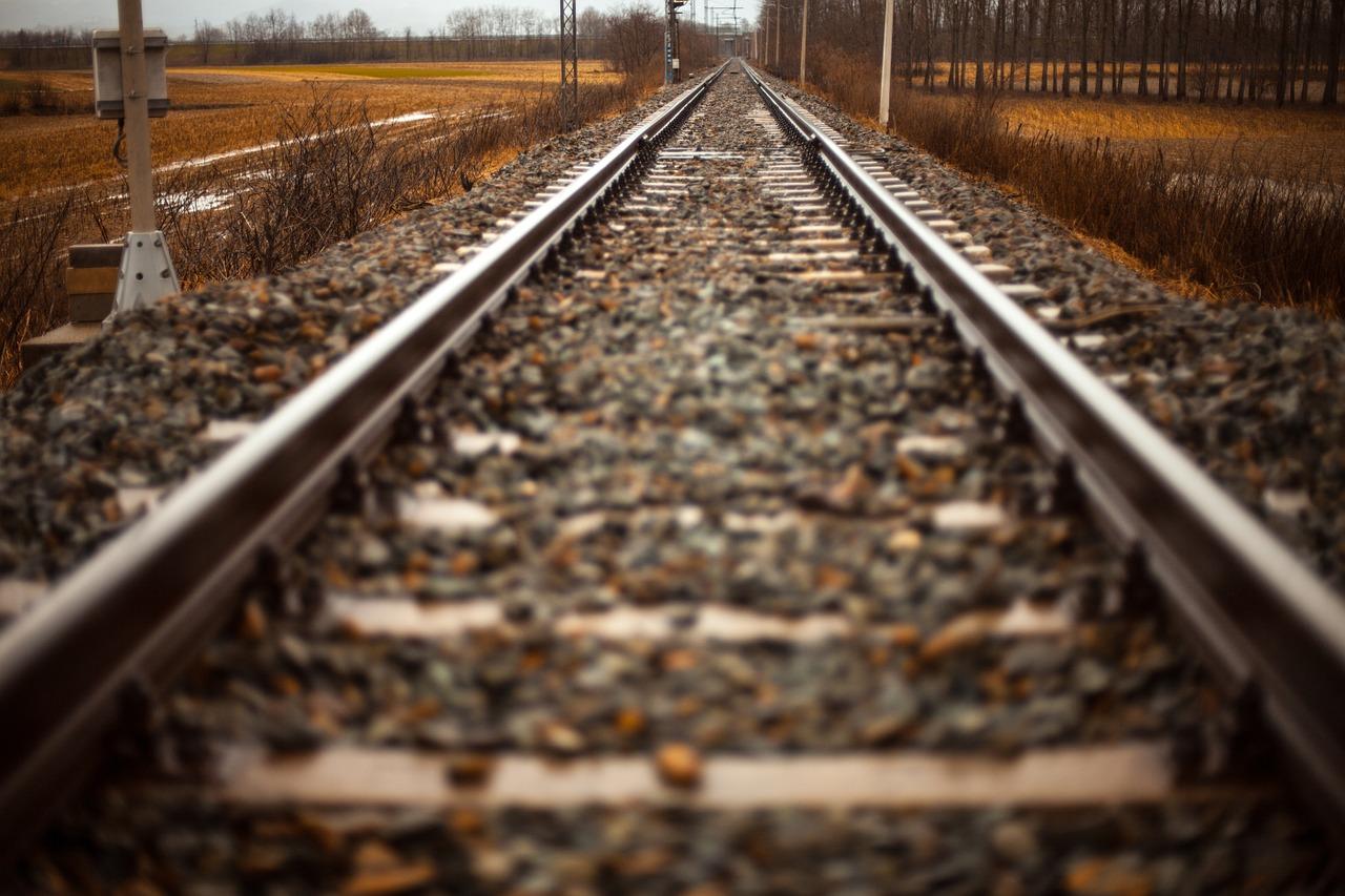 rails-407242_1280.jpg