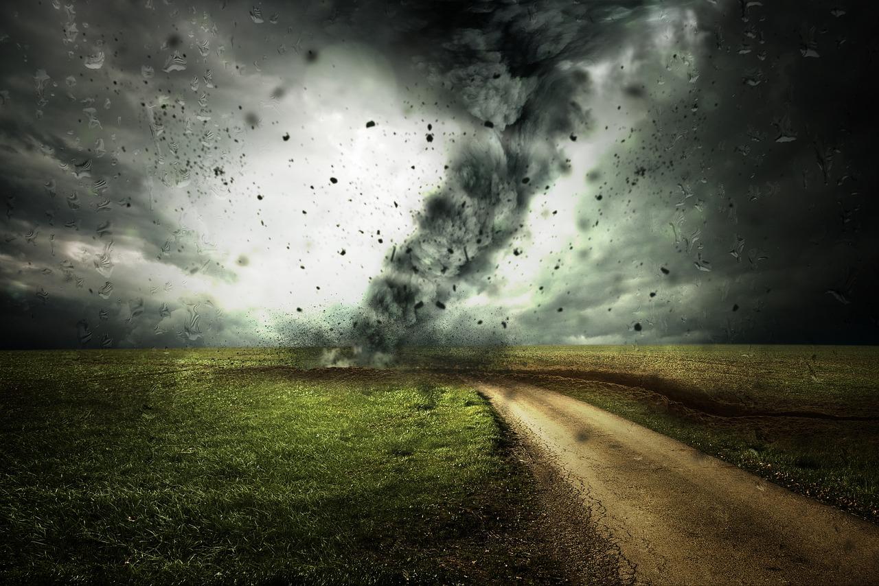 cyclone-2102397_1280.jpg