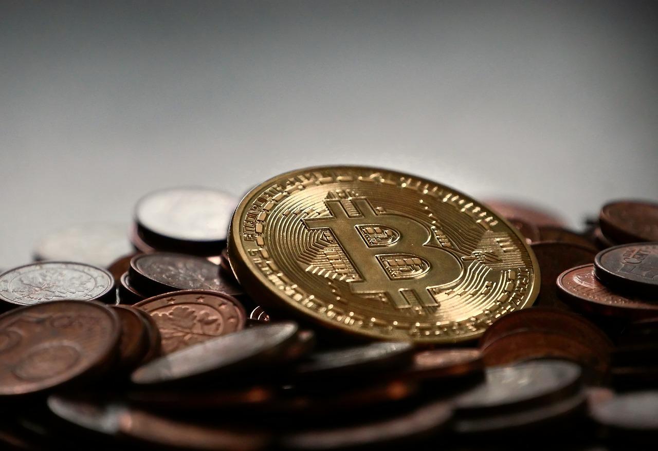 bitcoin-2007912_1280.jpg