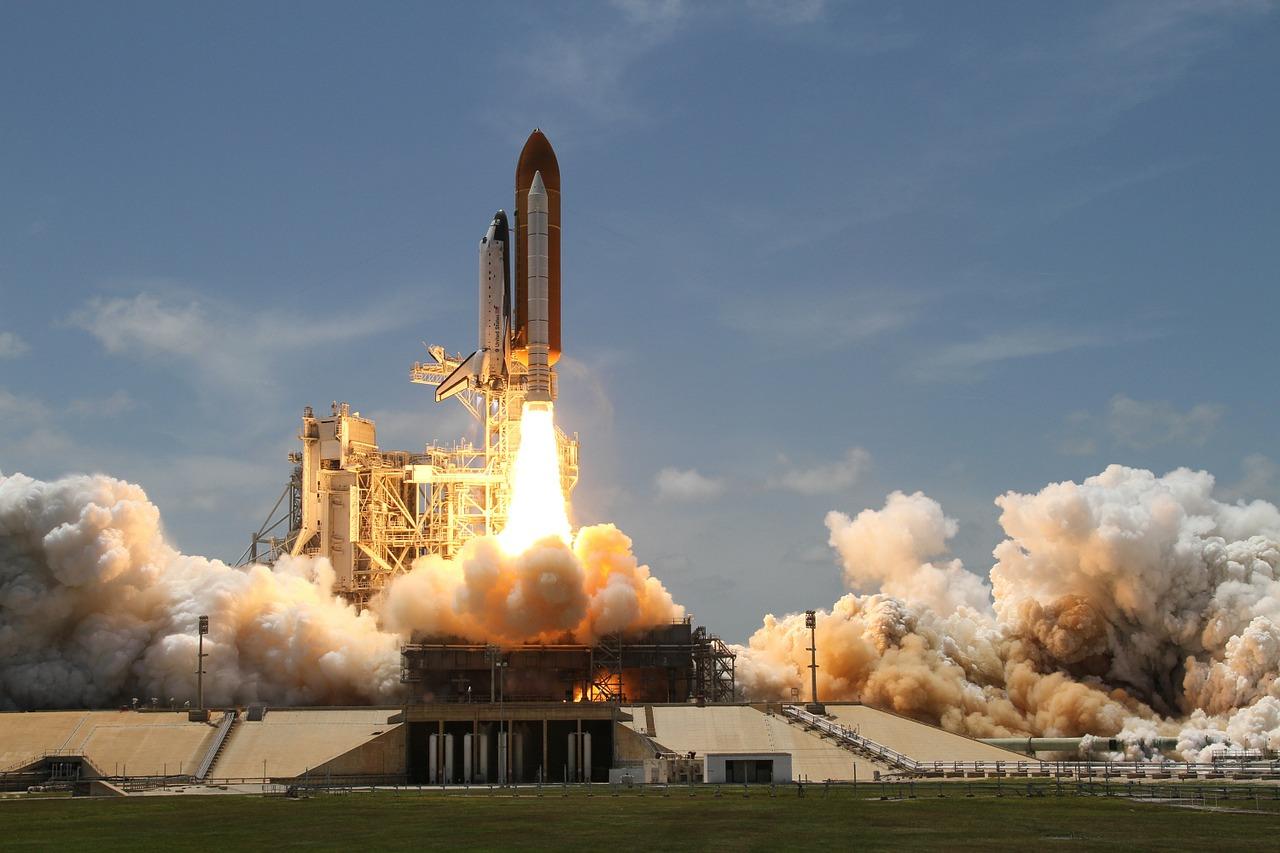 rocket-launch-67723_1280.jpg