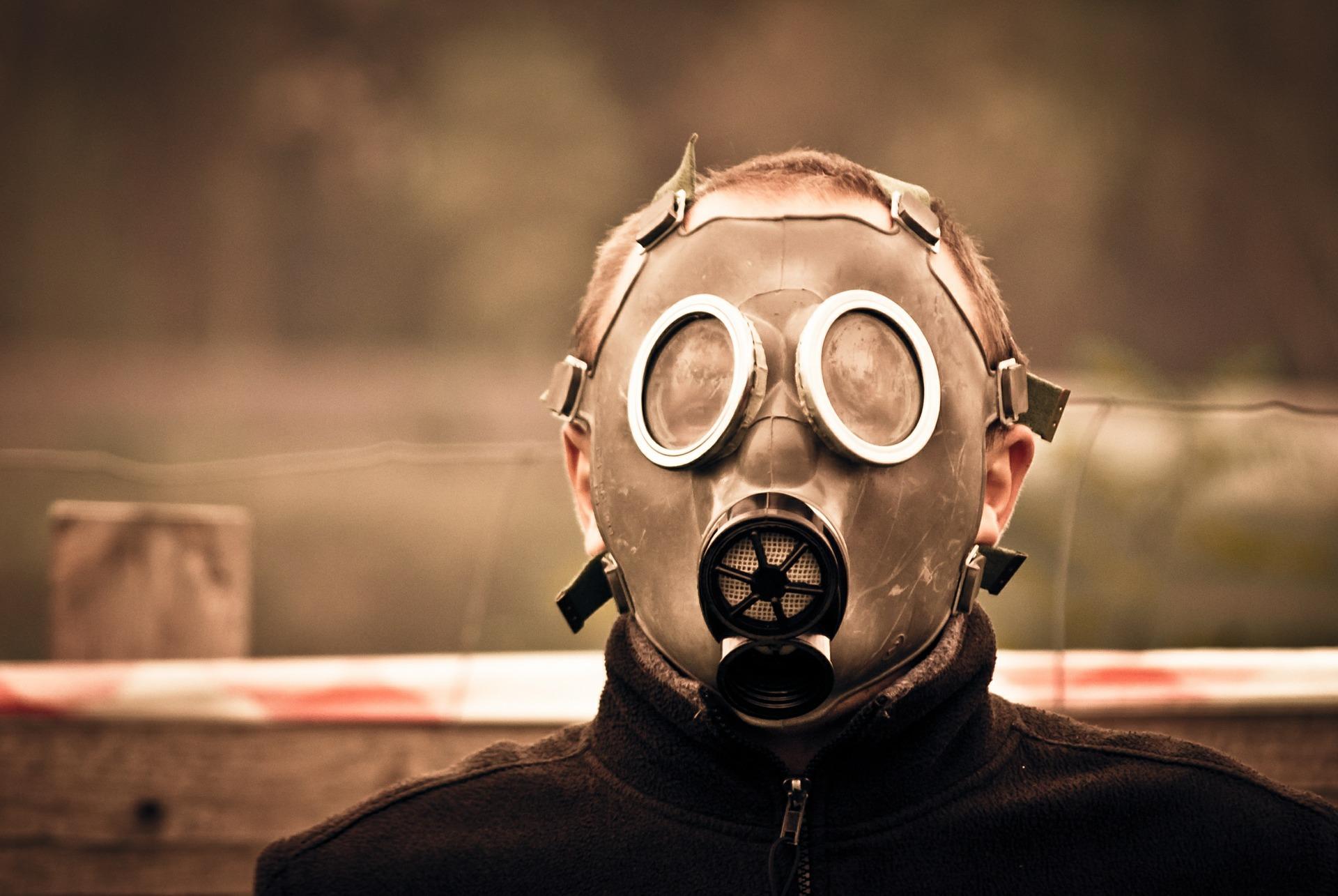 gas-mask-469217_1920.jpg