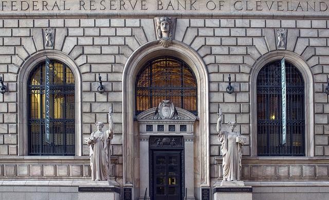 bank-820160_640.jpg