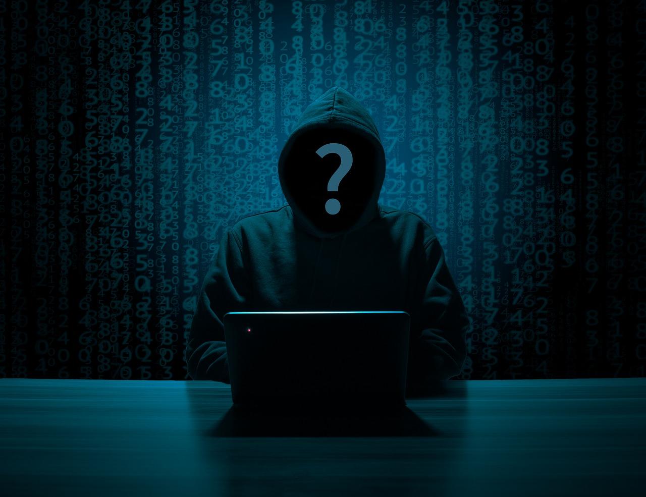 hacker-3342696_1280.jpg