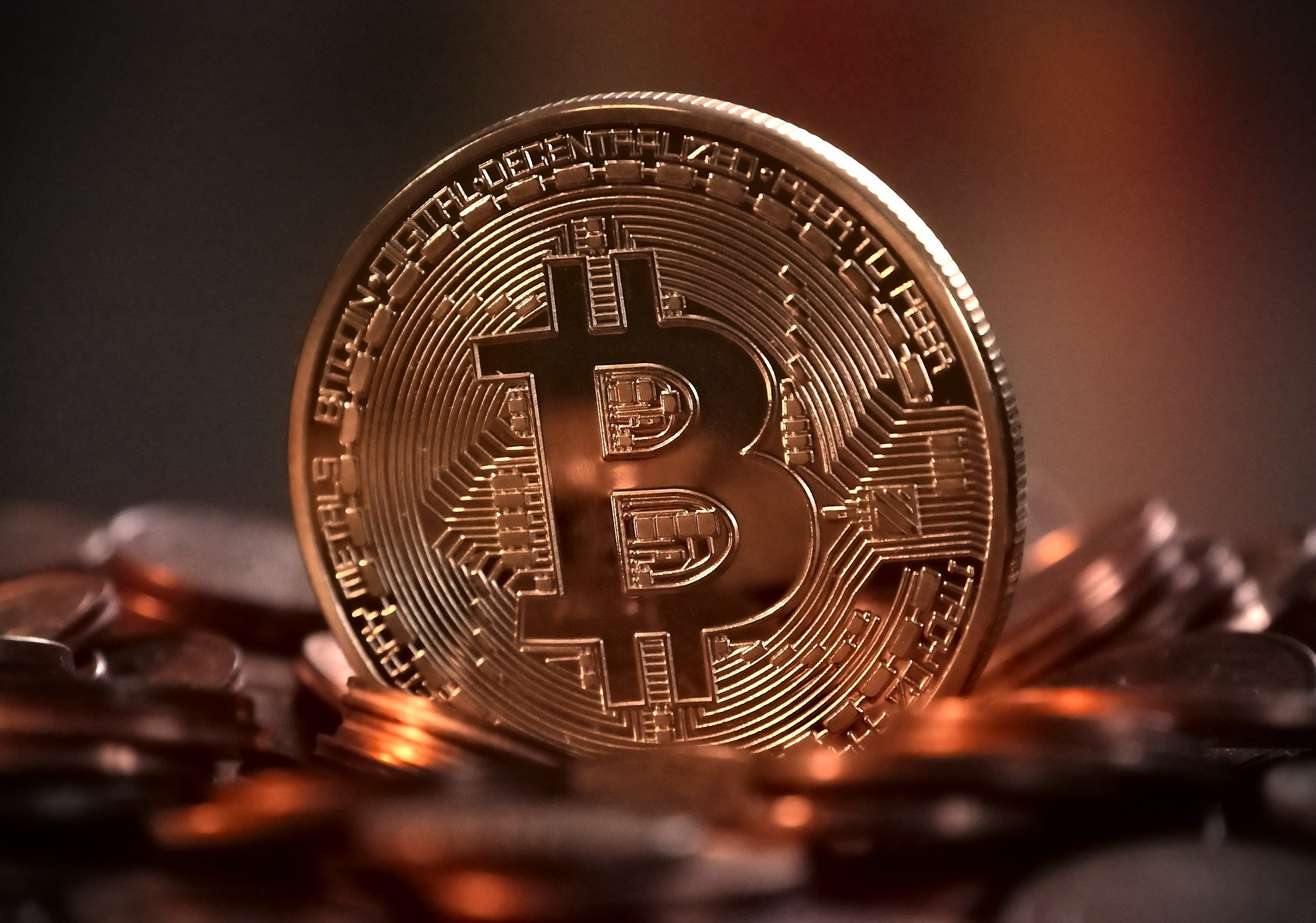 bitcoin-2007769_1920.jpg